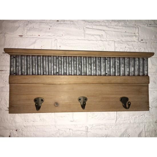 Plaque de Bois avec Crochet de Métal / 46,5x4,5x19cm
